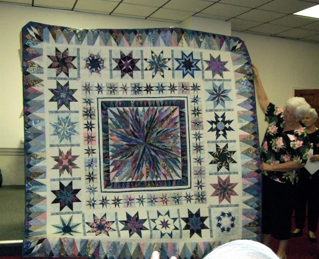 Just a stunning quilt!