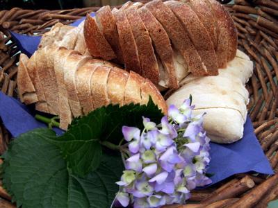 Even the bread basket was pretty